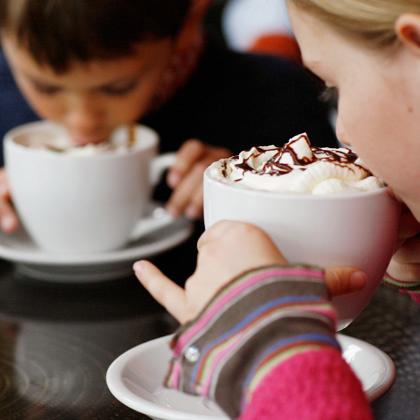 11-children-drinking-hot-chocolate-photo-420x420-cp-12765